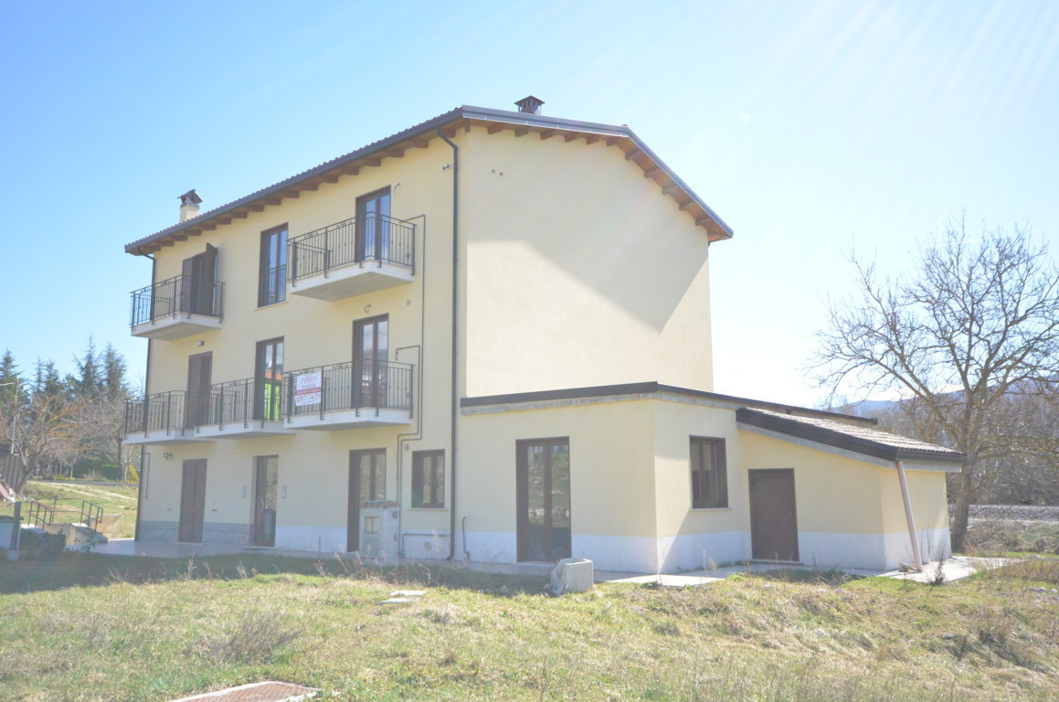 L'Aquila – San Gregorio – 3 Appartamenti Gemelli 65 mq